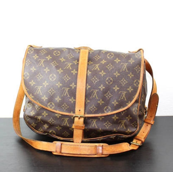 Louis Vuitton Handbags - LOUIS Vuitton EUC vintage a61a01bf82b93